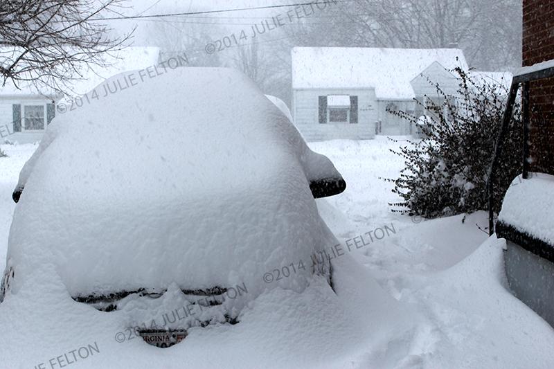 Snow Car 8956